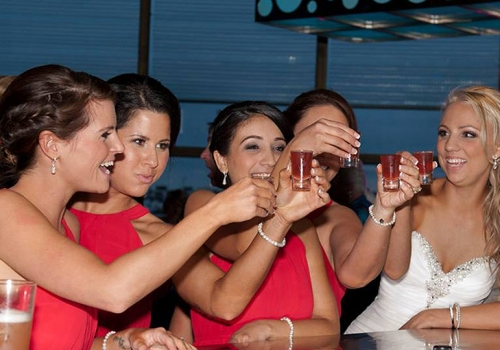 docklands-bridal-party-all-smiles